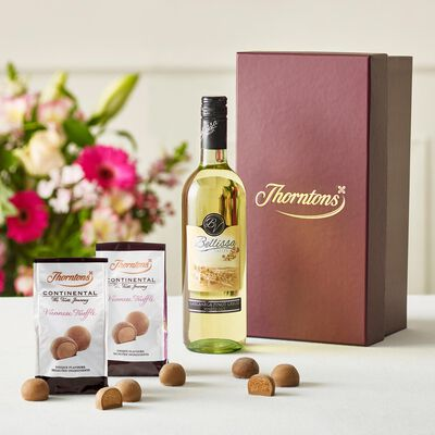 White Wine and Chocolate Hamper desktop