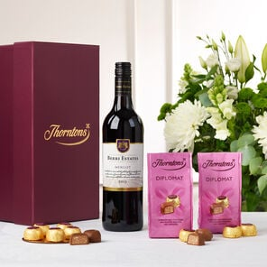 Red Wine and Chocolate Hamper tablet