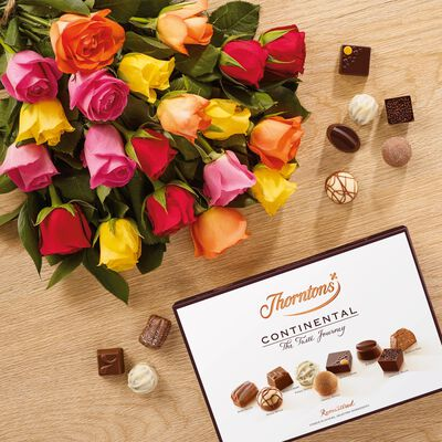 Premium Fanfare Roses Bouquet and Continental Box desktop
