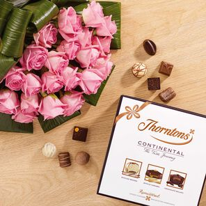Premium Pink Roses Bouquet & Continental Box tablet