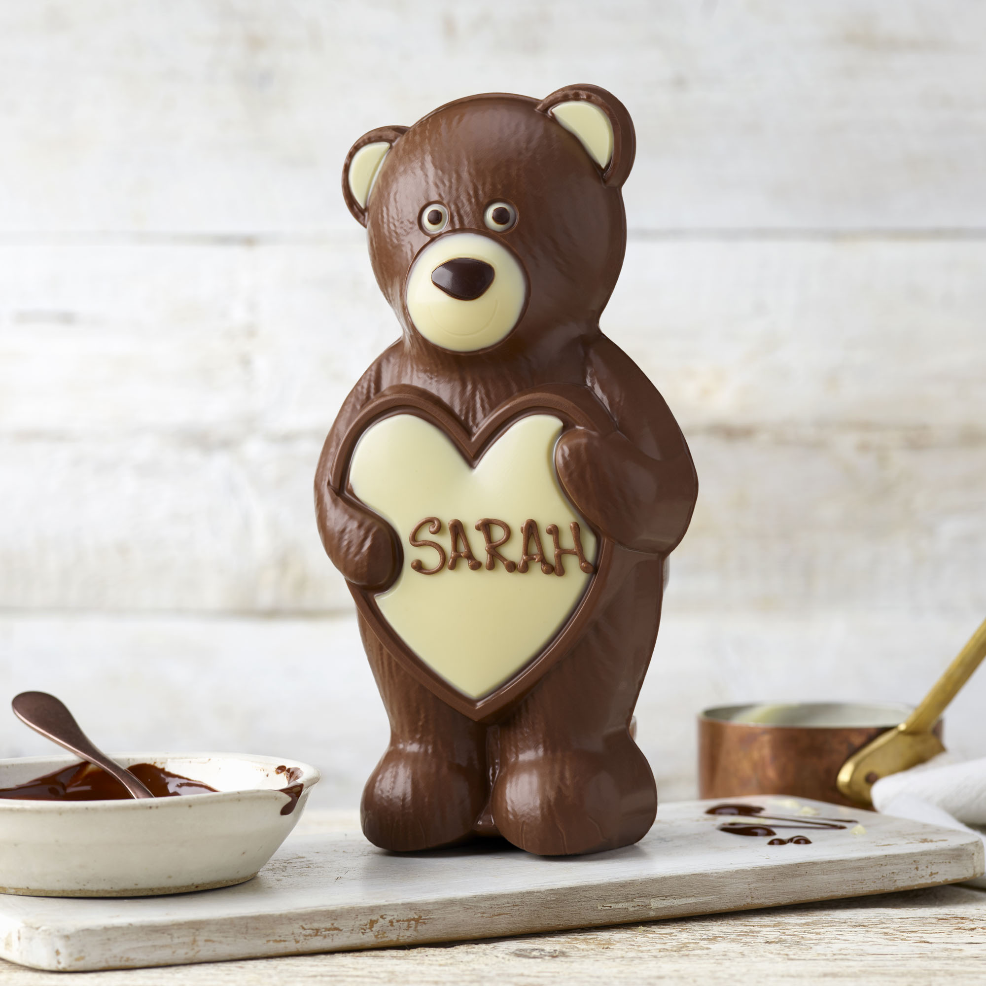Bear Hugs Chocolate Model | Personalised gifts | Thorntons